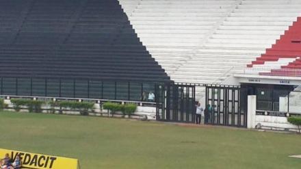 Eurico Miranda, presidente do clube, tão pequeno quanto o destino que ele oferece ao Vasco. - Foto: GloboEsporte.com